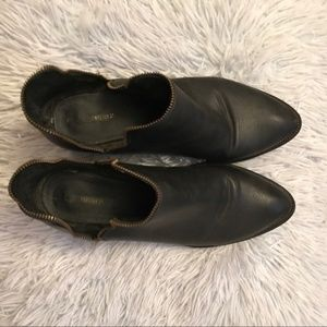 3/$30 - FOREVER 21 BLACK BOOTIES SIZE 9